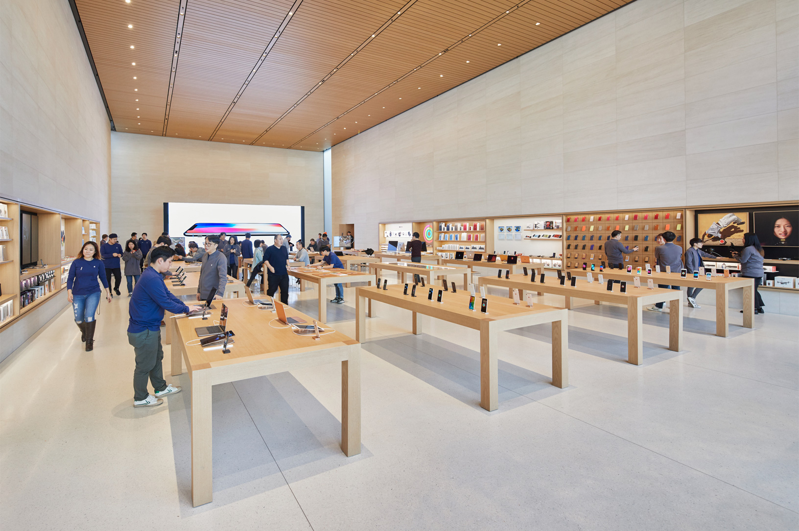 Seoul Apple Garosugil In Store 01242018