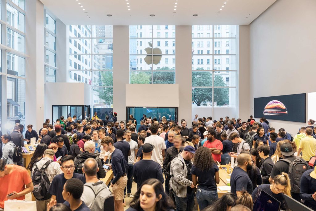 Iphone Xs Apple Watch Series 4 Ny 5th Ave Apple Store Interior 09202018